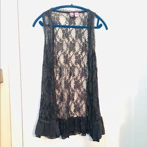"""Love On A Hanger"" Lace Open Vest Grey Medium Long"